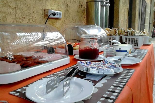 Svédasztalos reggeli