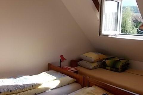 Csűrszálló szobája