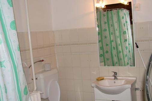 Kőház fürdőszoábaja