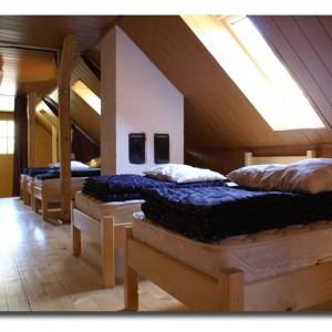 Gazdasági épületből kialakított tetőtéri szoba