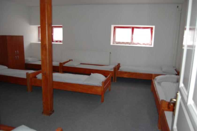 9 ágyas szoba