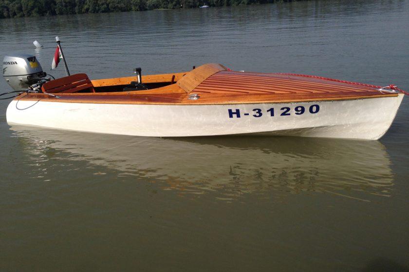 Duna-parti Csónakház - hajó- és kerékpárbérlés