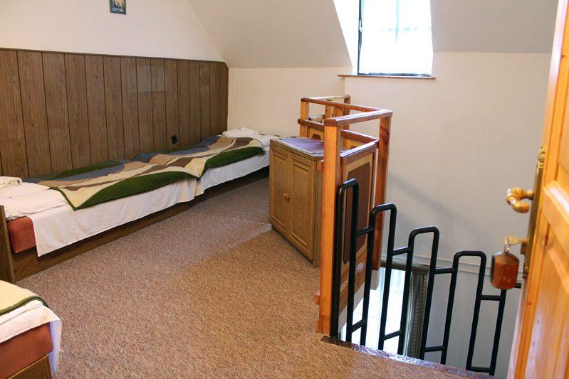 5-6 ágyas galériás szoba