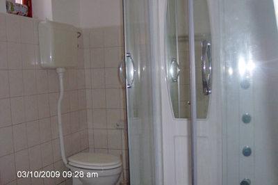 Főépület fürdőszobája