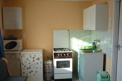 Kis apartman konyhája