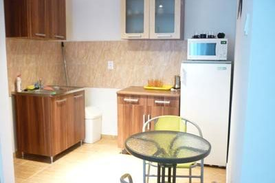 Új apartmanház konyhája