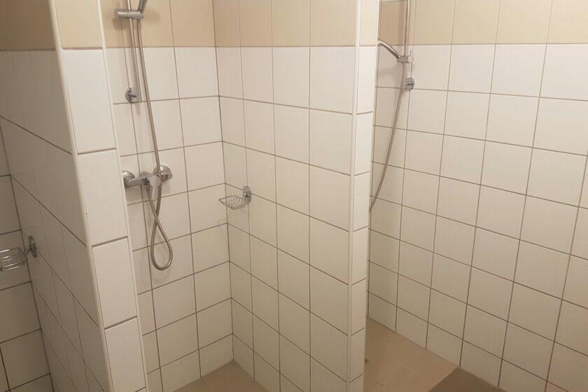 Zuhanyzók