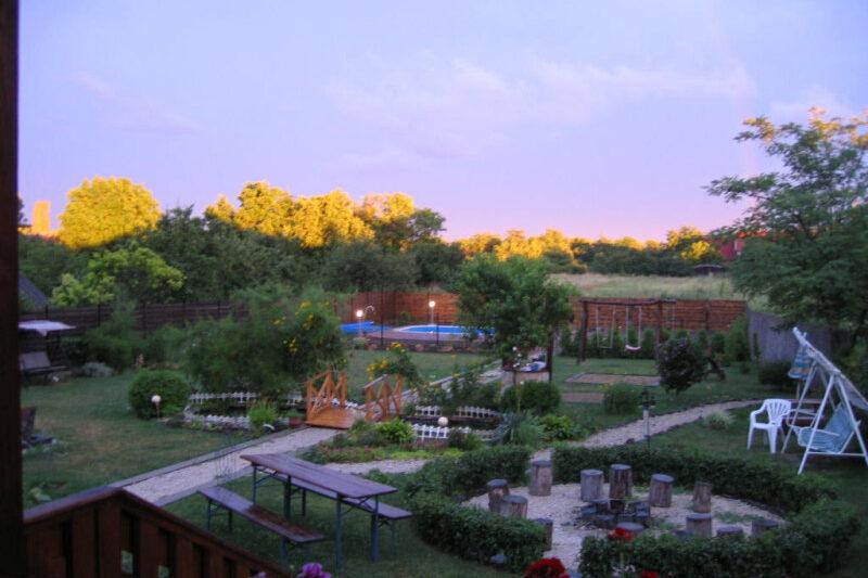 Napsugár Vendégház kert