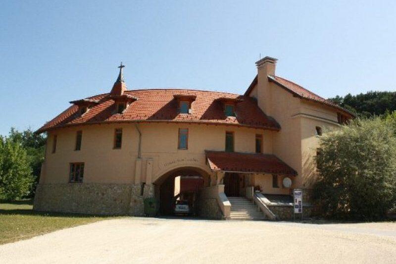 Szent Lujza Ház