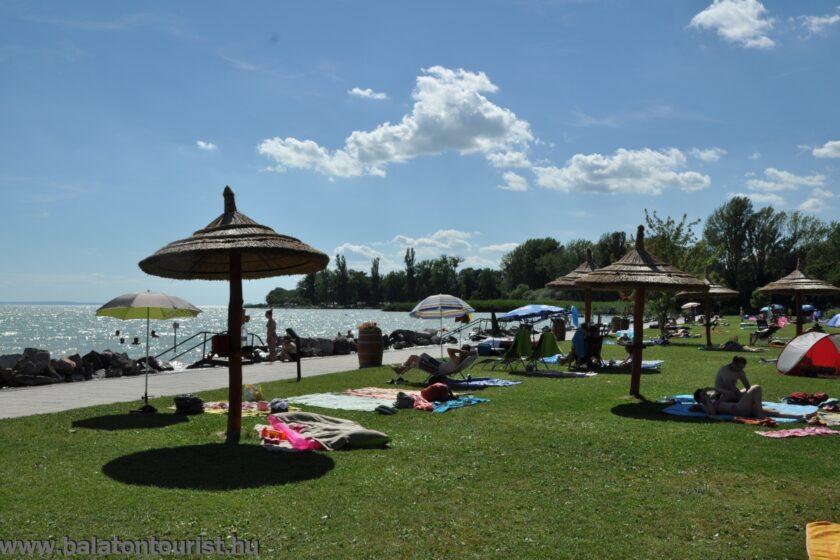 Balatontourist Napfény Kemping strand